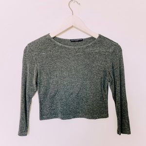 BRANDY MELVILLE Gray Crew Neck Cropped Sweater Top